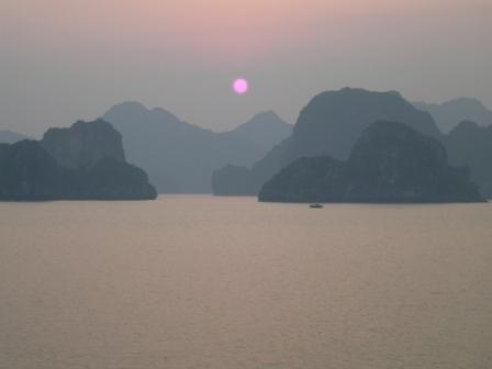 ha-long-sun-set