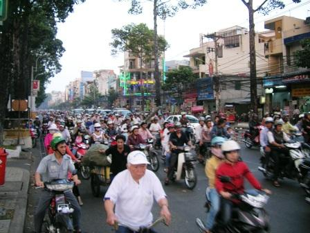 traffic-in-saigon1