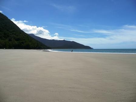Cape tribulation left side beach