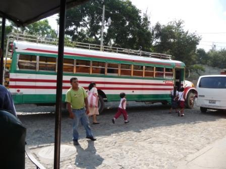Antigua bus1